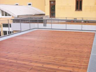 Pavimentazione in legno presso l'Università di Udine