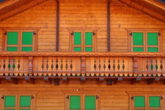 Casa in legno prefabbricata Illeggio. La facciata.
