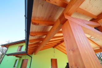 Prticolare casa prefabbricata in legno