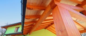 Dettaglio tetto in legno casa prefabbricata
