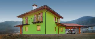 Casa prefabbricata in legno Villa di Verzegnis. Vista frontale