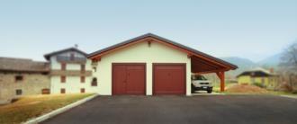 garage-in-legno-prefabbricato-Verzegnis-vista-frontale-sera